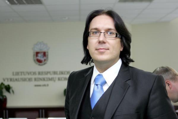 Į Seimą ateinantis A.Burba traukiasi iš VRK