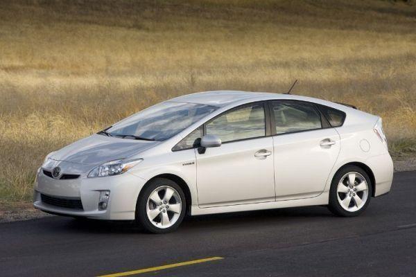 """""""Toyota Prius"""" – kartojama ta pati klaida"""