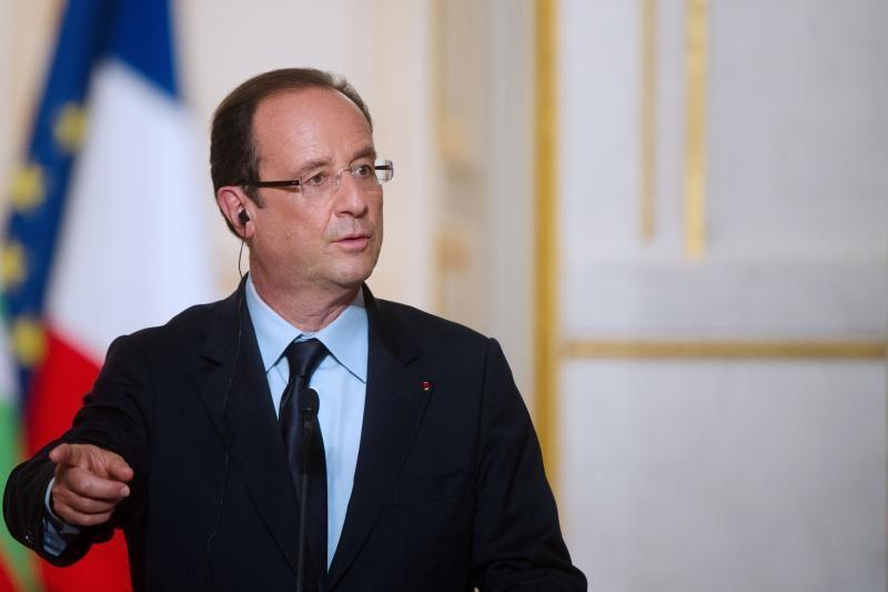 """F. Hollande'as tikis greito """"politinio sprendinio"""" Sirijos konflikte"""