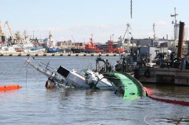 Nustatytos apvirtusio laivo avarijos priežastys