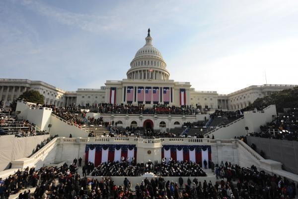 JAV ragina ištirti V.Putino pergalę, bet tikisi dirbti su juo