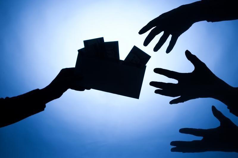 Užmautas apynasris greitųjų kreditu teikėju nesustabdė