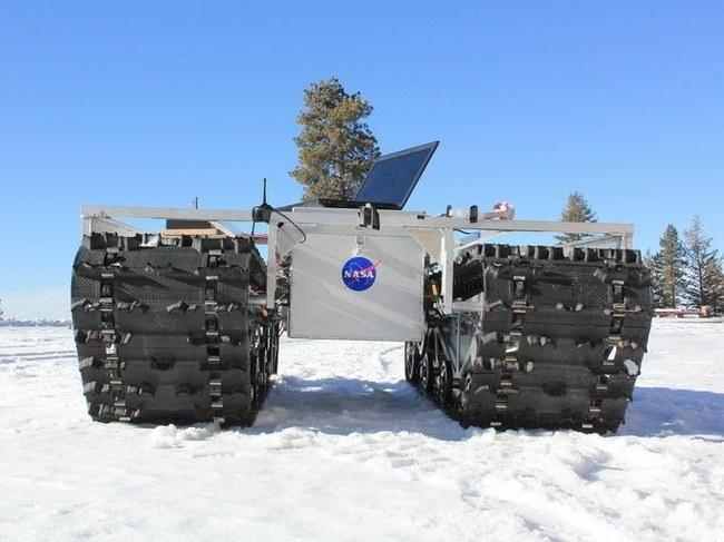 NASA moksliniams tyrimams į Grenlandiją išsiuntė robotą