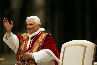 Benediktas XVI: pasaulio finansų sistema – blogis.