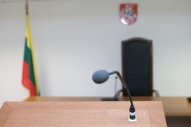 200 litų kyšį pareigūnams siūlęs pažeidėjas nubaustas mėnesiu arešto