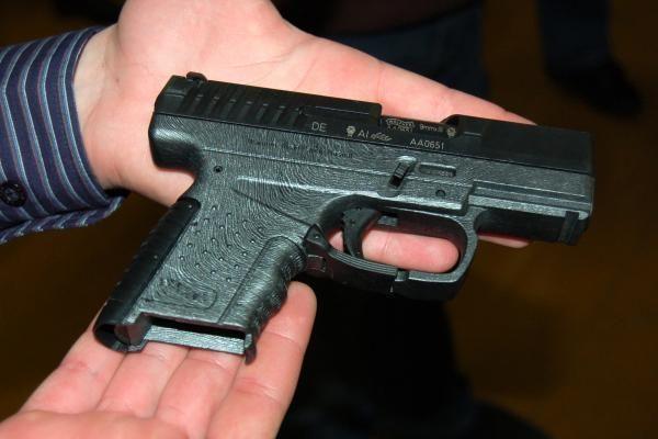 Vilniaus rajone iš buto išlaužus seifą pavogti ginklai