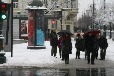 Traumų bumas Vilniuje slopsta, nors savaitgalį susižalojo šimtai žmonių (papildyta)