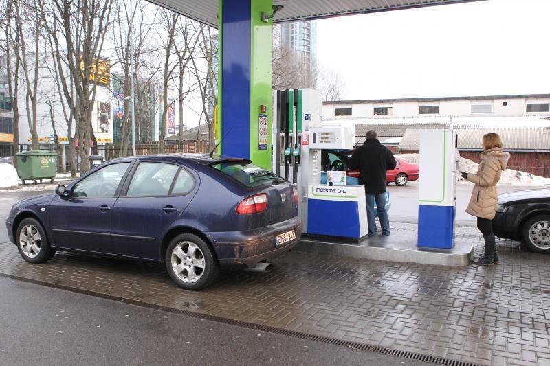 Degalų kontrabandai mažinti - sienų apsauga ir įvežamo kuro ribojimas