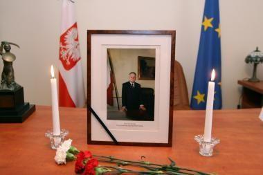 Lenkijoje kyla įtampa dėl L.Kaczynskio laidojimo Vavelyje