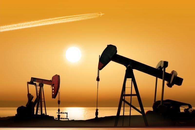 Naftos kainos Azijoje traukia žemyn