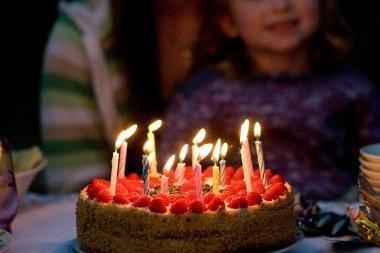 Vaikams uždraudė valgyti gimtadienio tortus