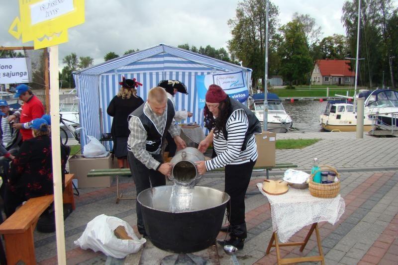 Klaipėdiečiams išdalins 50 litrų žuvienės