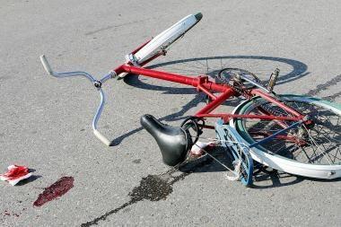 Latvijos sunkvežimis pražudė dviratininkę
