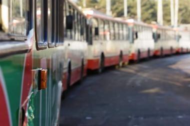 Laisvės pr. sustoję troleibusai vėl paralyžavo eismą