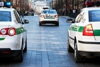 Policija atsisakė 32 tūkst. litų vairuotojų kyšių