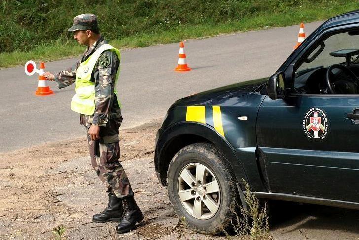 Medininkų poste sulaikytas Prancūzijoje vogtas automobilis