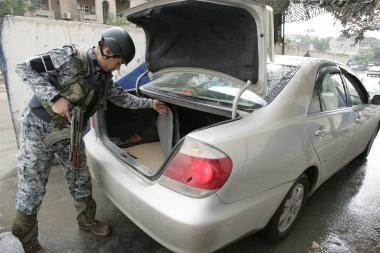 Bagdade dėl sprogdinimų suimtas 61 saugumo pajėgų pareigūnas