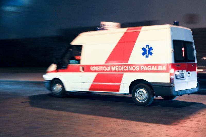 Vilniuje susidūrė automobiliai, du žmonės - ligoninėje