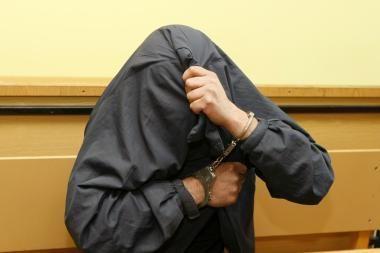 Keturis mėnesius savo dukrą prievartavęs čigonas sulaukė bausmės