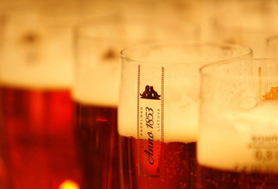 Kas iš europiečių atėmė papildomus keturis gurkšnius alaus?