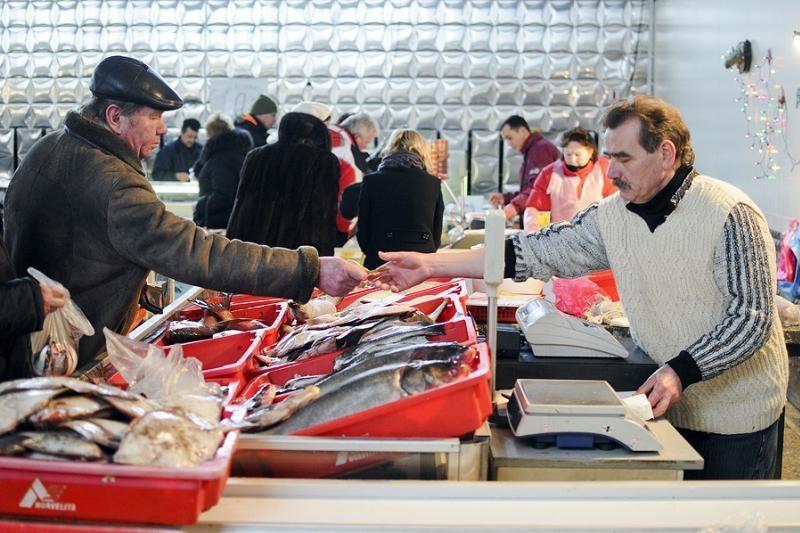 Sostinės turguose – šviežios žuvies metas