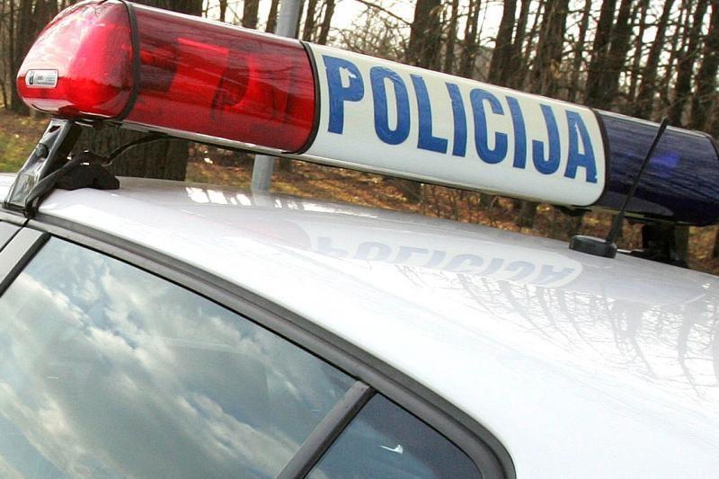 Neblaivus vairuotojas pareigūnams siūlė 200 eurų kyšį
