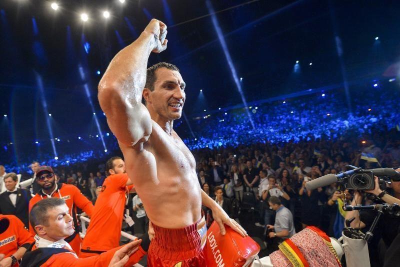 Vladimiras Kličko vėl apgynė pasaulio čempiono titulą
