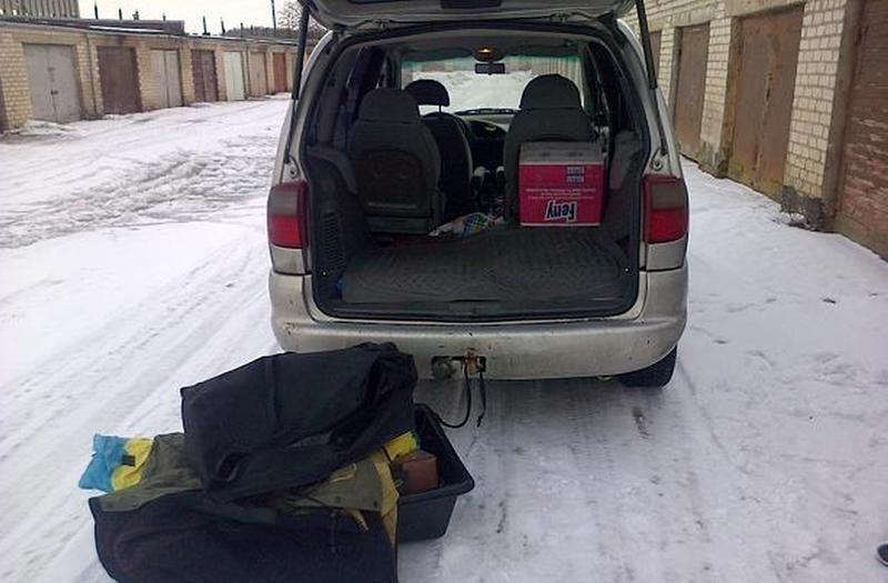 Mažeikiškis maišus su baltarusiškomis cigaretėmis krovė į garažą