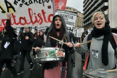 Graikiją apėmė streikų banga dėl vyriausybės paskelbtos taupymo karšligės