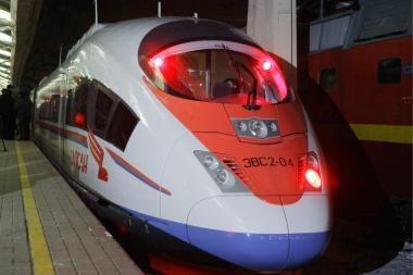 """""""Sakalas keleivis"""" išvyko į pirmąjį reisą Maskva – Sankt Peterburgas"""