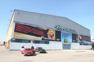 Ledo arenoje – modernūs teniso kortai