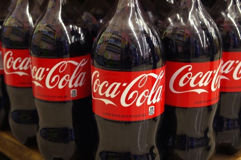 """""""Coca-Cola"""" pradėjo gaminti butelius iš bioplastiko"""