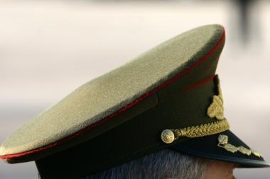 2010 metų principinėje kariuomenės struktūroje - mažesnis aukštų karininkų skaičius
