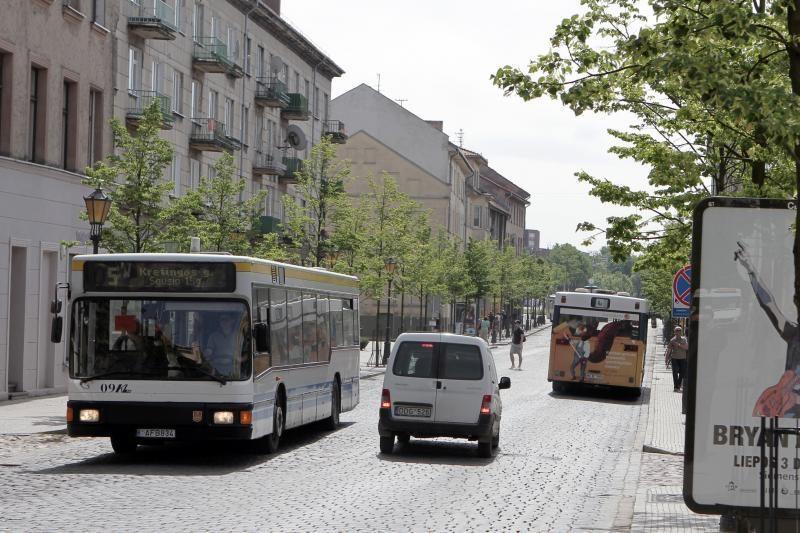 Tiltų gatvėje autobusams – mažiau erdvės