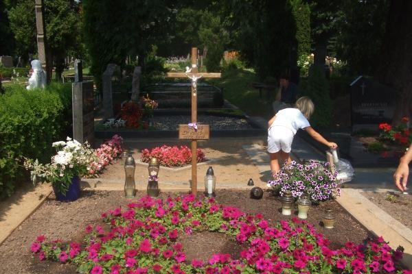 Klonio gatvės sergėtojai saugo ir D.Kedžio kapą