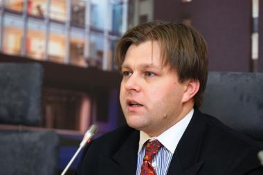 M.Adomėnas: Gruziją remianti Seimo rezoliucija atidėta laukiant V.Putino Vilniuje