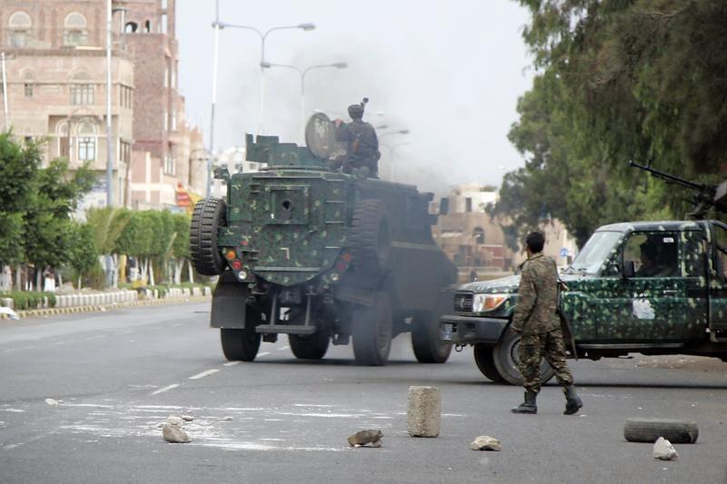 Jemene per mirtininko sprogdintojo išpuolį žuvo 42 žmonės