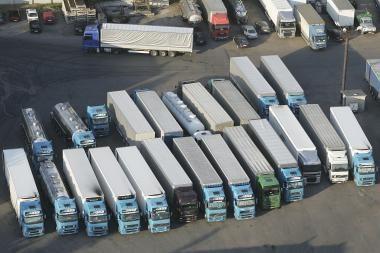 Paslaugų sektorių gelbsti atsigaunančios transporto įmonės