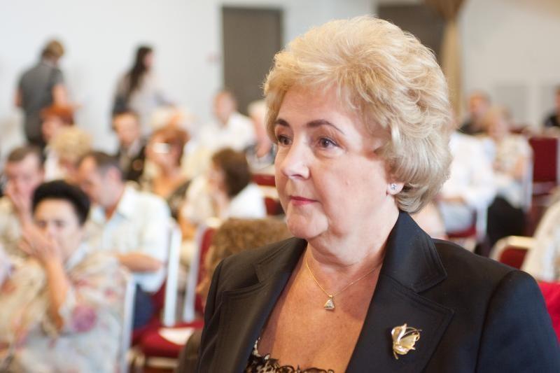 K.Brazauskienė pradėjo rinkti parašus partijai steigti