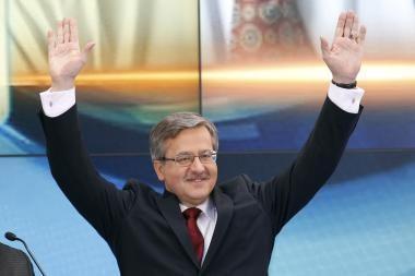 Laikinasis Lenkijos vadovas B.Komorowskis gegužės 9-ąją vyks į Maskvą