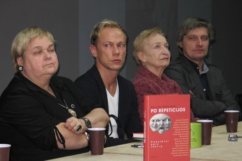 """D.Zelčiūtės knygos """"Po repeticijos"""" pristatyme atviravo teatralai"""