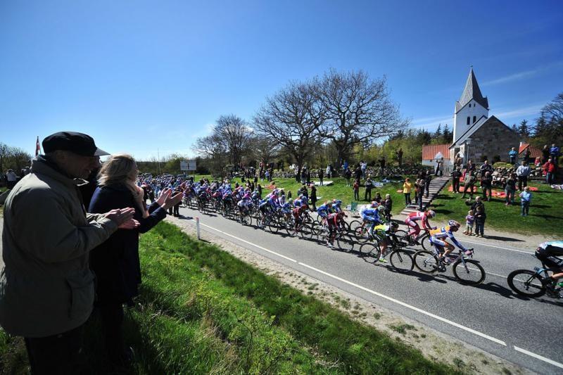 """R.Navardauskas ir T.Vaitkus - tarp """"Giro d'Italia"""" lyderių"""