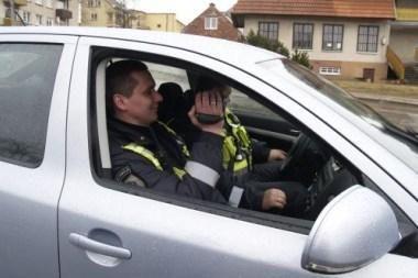 Kretingoje patruliuoja nežymėtas policijos automobilis