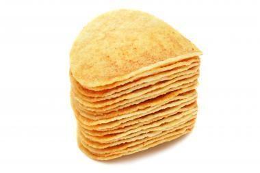 """Ant bulvių traškučių """"Estrella"""" pakuočių – klaidinantys užrašai"""