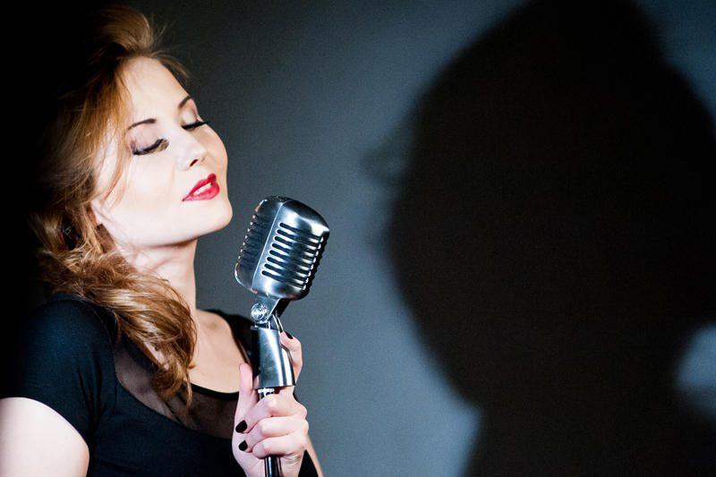 """Motinos dienai - projektas """"Tribute to Celine Dion"""""""