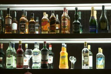 Socialdemokratai piktinasi valdančiųjų nenoru mažinti alkoholio akcizą