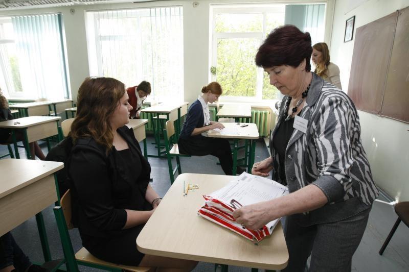Ministrą D. Pavalkį nuvylė teismo sprendimas dėl lietuvių k. egzamino