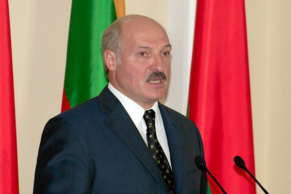A.Lukašenka reikalauja iš Rusijos nemokamų ginklų