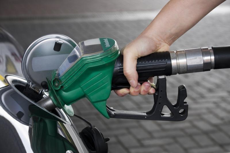 Muitinės departamentas sieks riboti nelegalių degalų įvežimą