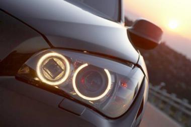 Automobilių vagių mėgstamiausi: BMW markės automobilių veidrodėliai